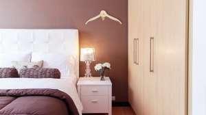 Appendiabiti per la camera da letto - bedroom with hangers